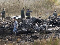 Plane crash in Shanghai 'kills three'(AP Photo)