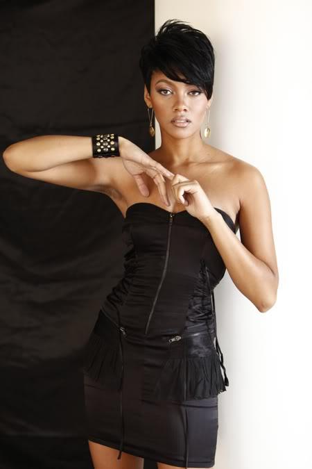 Photo_Barry_Elkins...Bria in black!