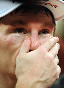 Ricky Hatton caught snorting cocaine up his nose!