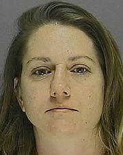 29-year-old Lacey Robertson arrested for dragging 78 year-old woman during purse snatching