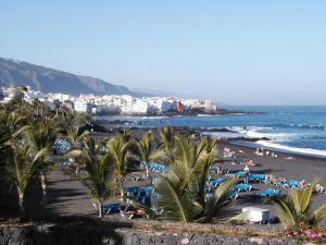 black-sand-beach-tenerife-canary-islands